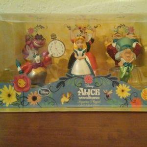 Disney's Alice in Wonderland Figurine Set